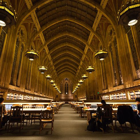 Bibliothèque Suzzallo à l'Université de Washington —Seattle, Etats-Unis