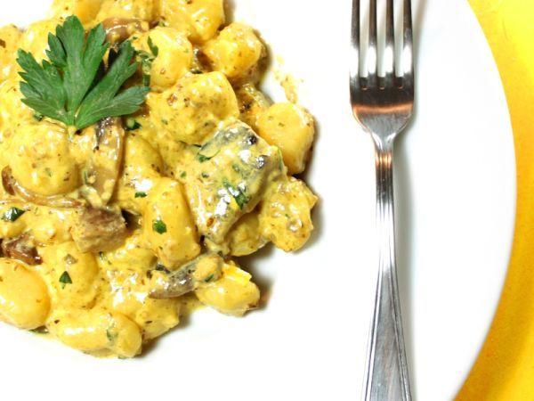Gnocchetti allo zafferano con funghi porcini ---> Scopri la ricetta su PetitChef.it