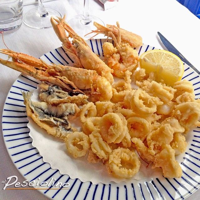 Buon lunedì! #frittomisto#pescefritto#pesce#ristorante#alpesciolino#milano#fish#seafood#food#friedfish#milan#instafood#instapic#yummy@instafood