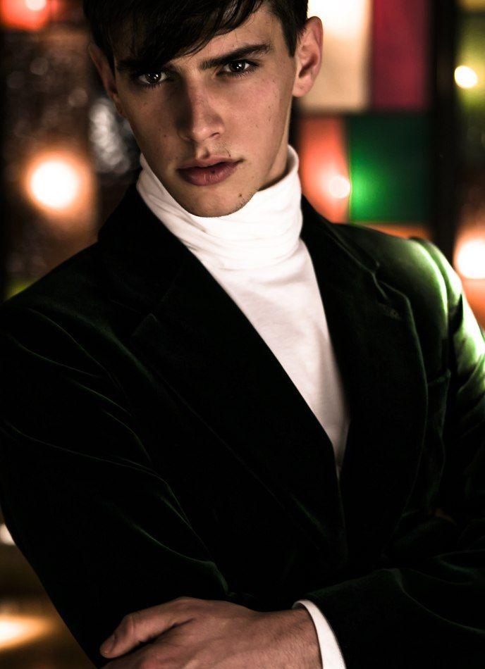 Black Hair / Brown Eyes / Skinny / Suit / Model: Youri ...