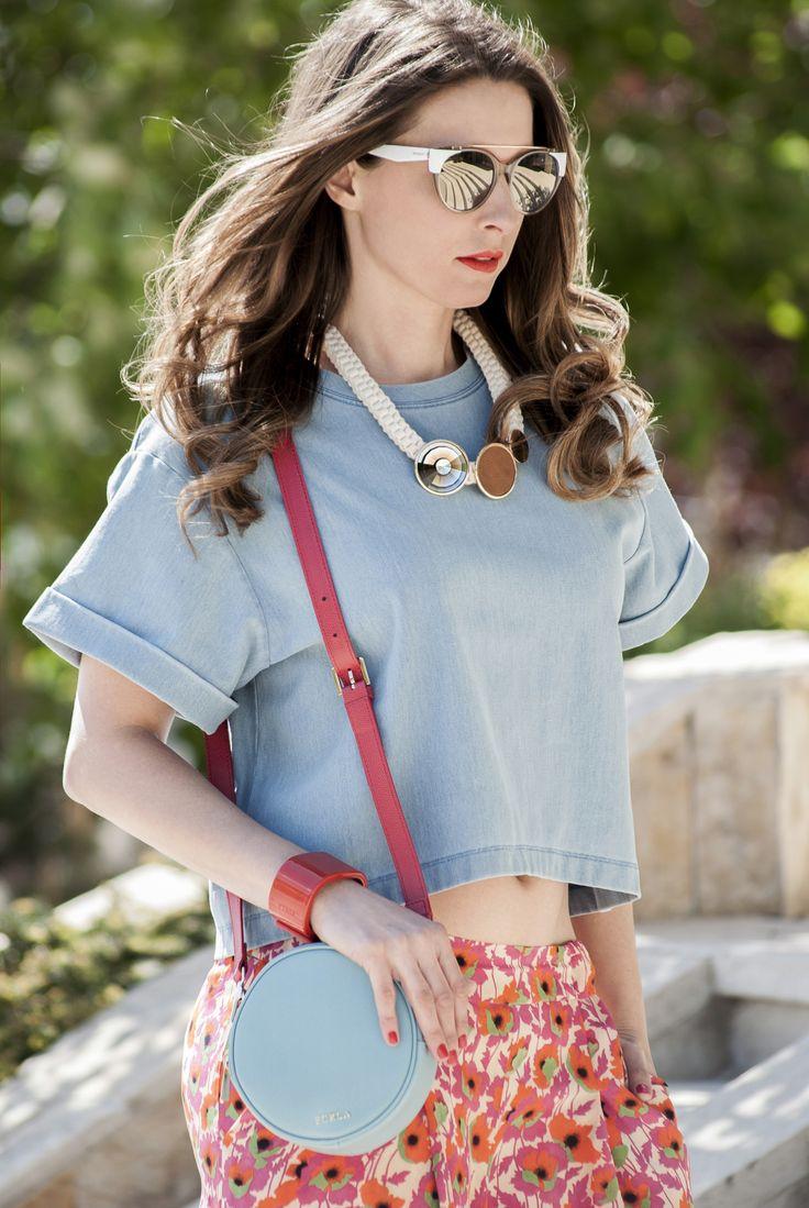 Modern '70-s for #FURLAPERFECTMATCH! #SophieArtPhoto #HelenaStyle #maxandco #FURLA #fashion #fashionblogger #style #streetsyle #accessories #orange #blue #cuff #sunglasses #necklace #statementjewellery #ilovemomblog