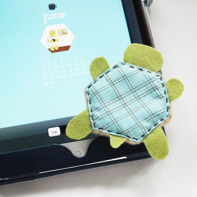 DIY turtle screen cleaner