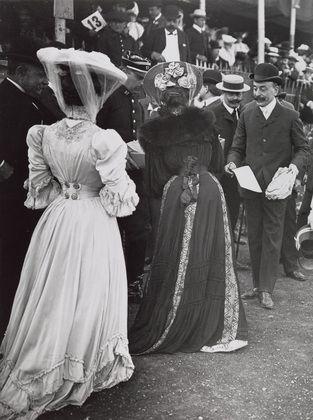 Unknown Photographer. Paris, Avenue du Bois de Boulogne. 1910