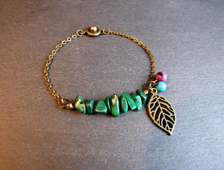 Bracelet Salie - Malachites vertes, feuille laiton bronze, perles violettes, bleu canard : Bracelet par les-bijoux-de-miss-poisson-rouge