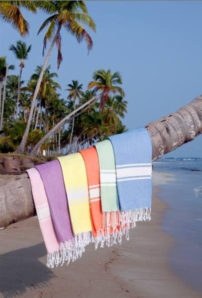 les 80 meilleures images du tableau serviette de plage sur pinterest serviette de plage. Black Bedroom Furniture Sets. Home Design Ideas