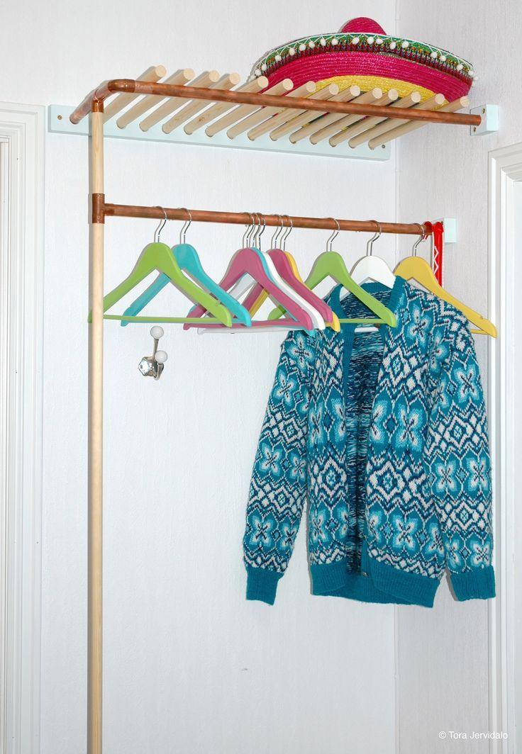 Garderobestang med hattehylle: slik lager du den selv! DIY hallway coat hanger. Copper and wood. Step-by-step directions at selvlaget.com!