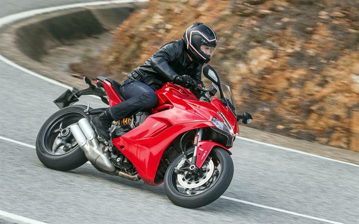 Lataa kuva Ducati SuperSport S, 4k, 2017 polkupyörää, ratsastaja, italian moottoripyörät, Ducati