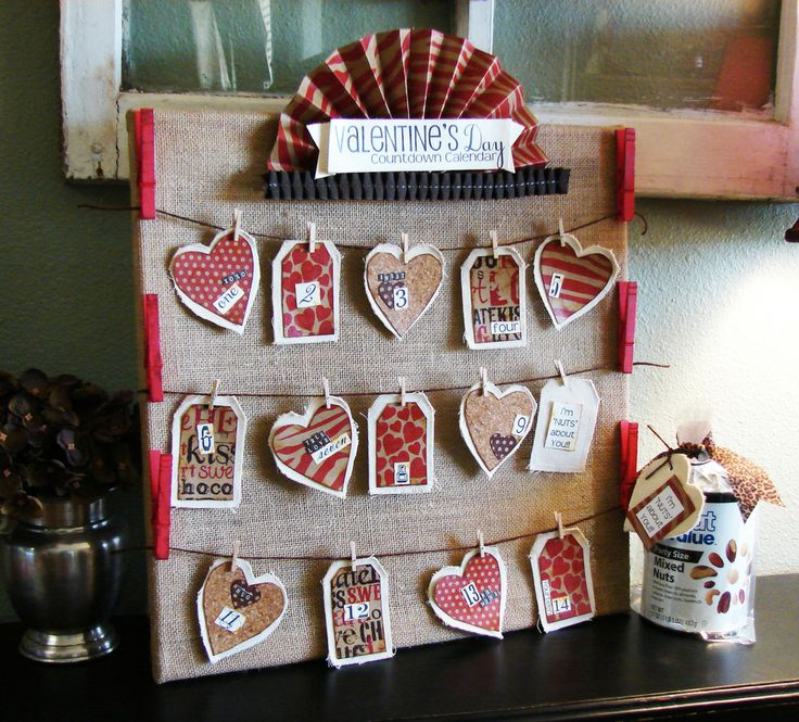 Redberry Barn: Valentine's Day Countdown Calendar - Great way to keep a reminder out for you know who!!