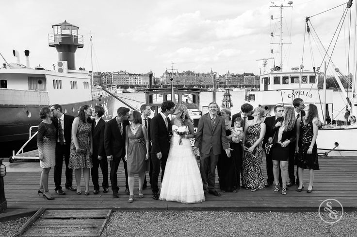 Destination Wedding - Stockholm, Sweden | #simongorges #brideandgroom #bride #groom #destinationwedding #Stockholm #sweden #amazing #love #balckandwhite #groupshot #somethingdifferent