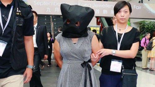 Γυναίκα στην Κίνα άλλαξε το πρόσωπό της για να μην πληρώσει χρέη ύψους 3,5 εκατ. ευρώ