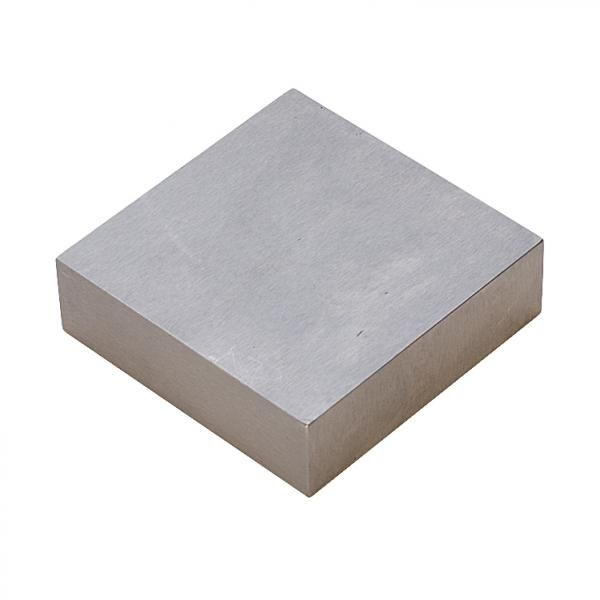 Steel Bench Block 63.5 x 63.5mm Steel Bench Block 63.5 x 63.5mm. A finely polishedhardened steel block 63.5 x 63.5 x 19mm ( 2 1/2 x 2 1/2 x 3/4 inch) used for flattening or chasing.