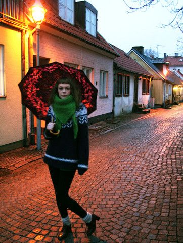 Rose Umbrella, Green Scarf, Iceland Sweater, Stockings, Brown Leather Shoes