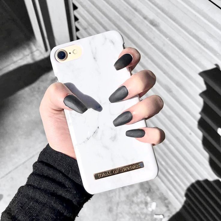 White Marble by beautiful @soniaseraphina - #idealofsweden #fashion #fashioncase #iphone #whitemarble #marble #nails #details