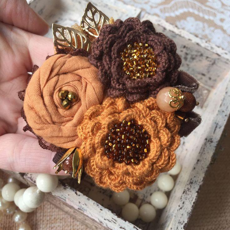 """Купить Вязано-текстильная брошь """"Шоколадный медовик"""" - брошь, брошь цветок, брошь ручной работы"""