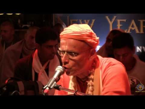 2014 Mayapur New Years Eve Kirtanfest. Kirtan led by H.H. Kadamba Kanana Swami. - YouTube