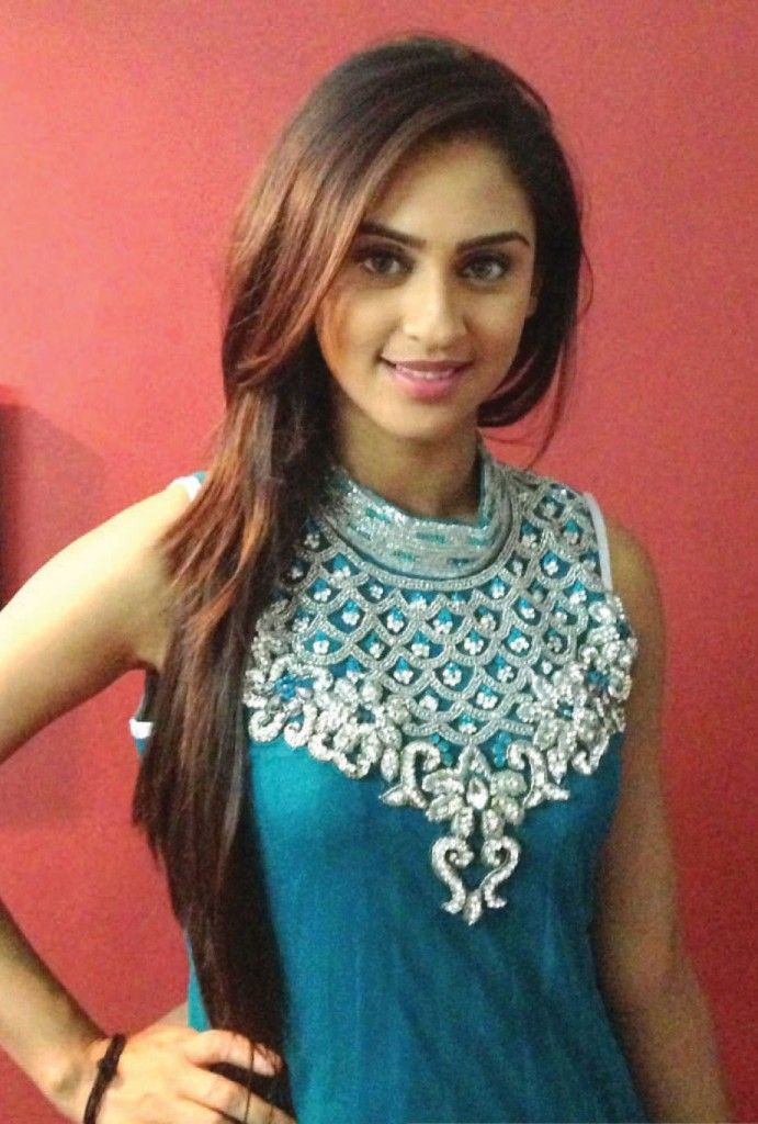 Krystle Dsouza is one of the most popular Indian television actress. She was born on 1 March 1991 in India. She studied at Auxilium Convent High School later she attended the St Xaviers arts College.