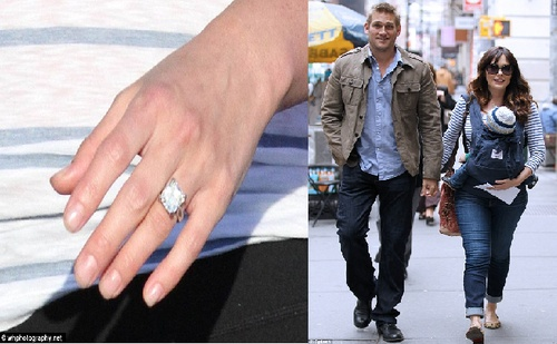 That's an amazing Stone, Curtis! Lindsay Price shows off her huge diamond ring after Australian chef, Curtis Stone popped the question. Adorable couple