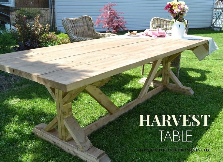 Outdoor Harvest Table plans at http://www.hometalk.com/4086535/outdoor-harvest-table?se=wkly-20140720&tk=p9bor6