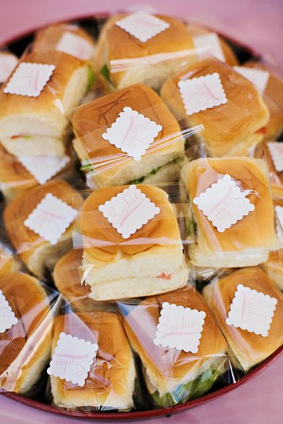 Simple cold cut bunwich lunch for party?
