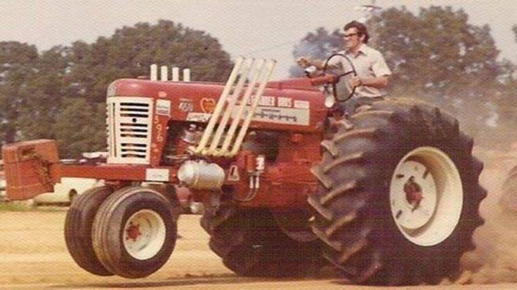 FARMALL 450 V-8 Pulling Tractor