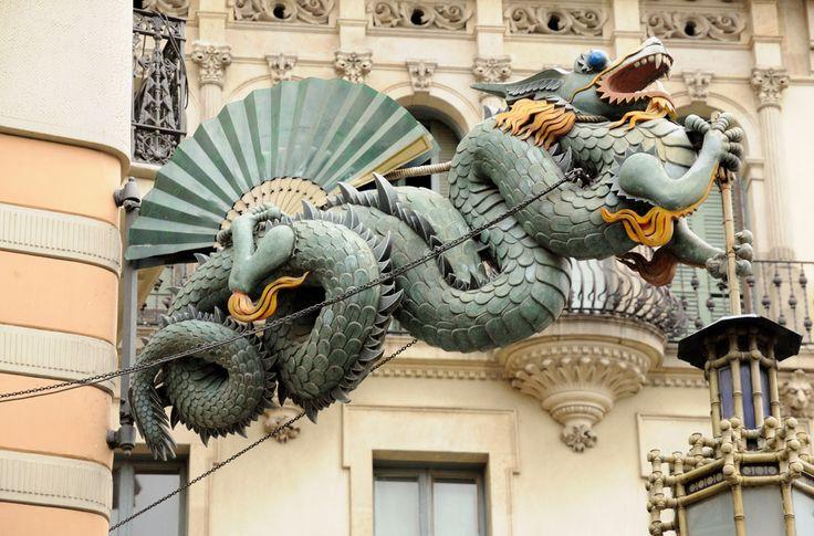 En una ciudad con especial culto a la figura mitológica del dragón
