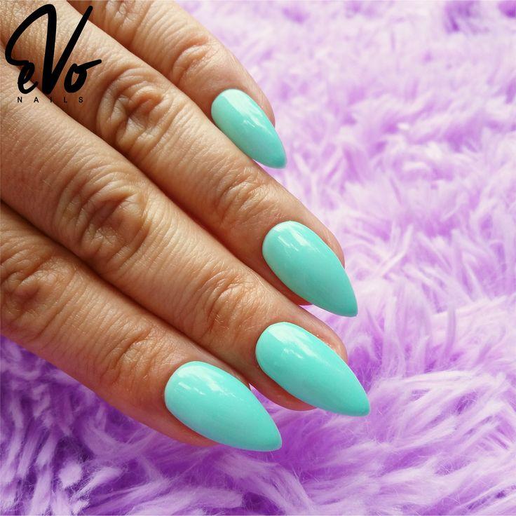 Doskonale orzeźwiająca i wyjątkowo wakacyjna mięta <3 z kolekcji #YummyPastel <3 Dasz się skusić?   🔹 160 MINT SHAKE  www.evonails.pl __  #manicure  #nails #love #instalove #instanails #summer #paznokcie  #nailart #hybrya #paznokciehybrydowe #evo #evonails #pastel #pastelnails #pastelowepaznokcie