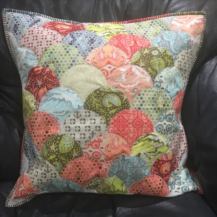Clamshell cushion / pillow. Tula Pink fabric Salt Water. Patchwork and quilting.