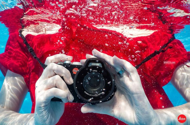 Underwater shoot for @Leica model Krysia Makiela #Dubai #Dubaiphotographer #photographerdubai #photographersdubai #underwater #makiela #Dubaiunderwaterphotography #underwaterphotography #underwaterphotographer #Dubaifashion #abayas #profesionalphotographer #Dubaifashionphotographer booking whatsapp +971567946469 www.makiela.com