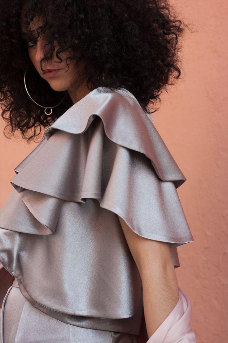 #CHICASETUREL  El plata es el color del momento! Preparate para ser una #invitadaconestilo   Pide una cita, descubre nuestra colección y te ayudamos a elegir los complete complementos.  #eturel #eturelpv2017 #eturel90s #invitadas90s #90s #90style #streetstyle #invitada #invitadaperfecta #invitadasdifentes  #invitadaboda #lookboda #lookinvitadas #bodas #style #fashion #moda #weddingguest #fAshionoftheday  #chic #wedding #weddingguest #lookoftheday #lookboda #instacool #lookoftheday #headdress