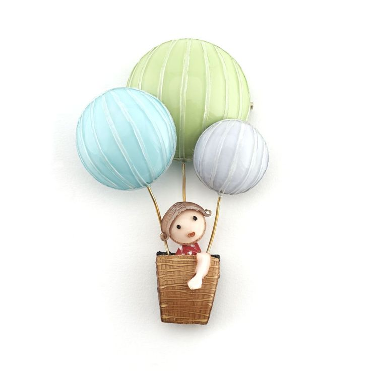 Lili in the Balloon Brooch by Cilea