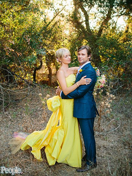 Katherine LaNasa and Grant Show married in 2012 - yes she wore yellow!