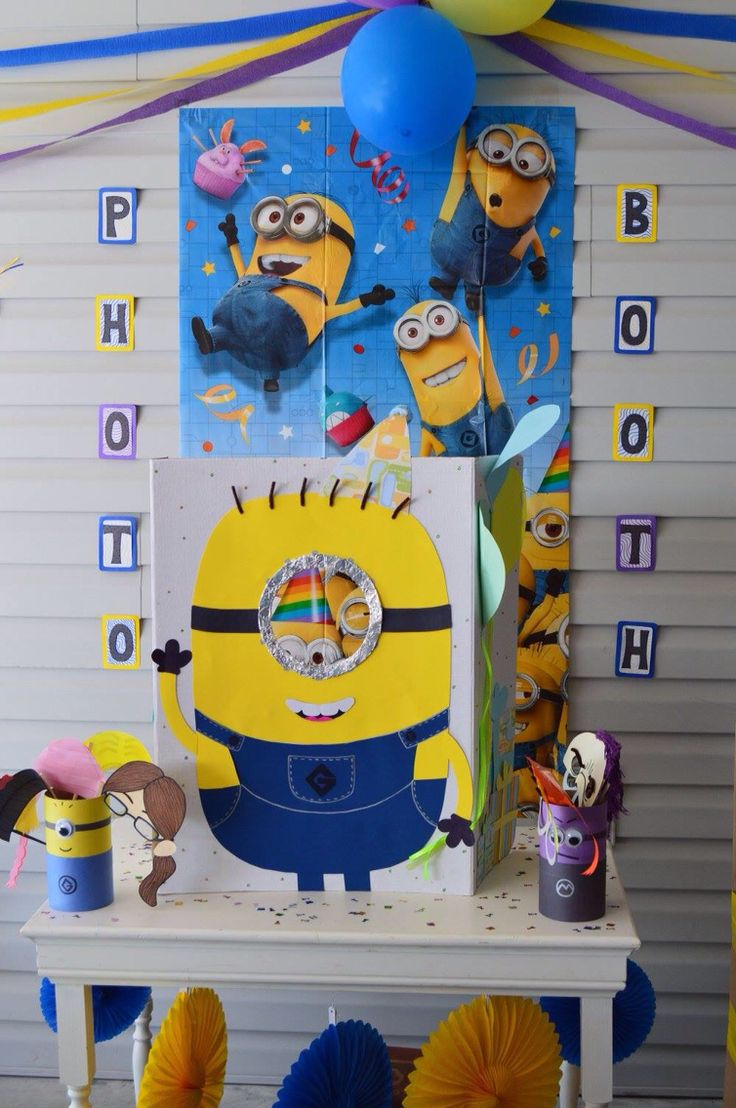 Minion Photo Booth Set Up With Props!