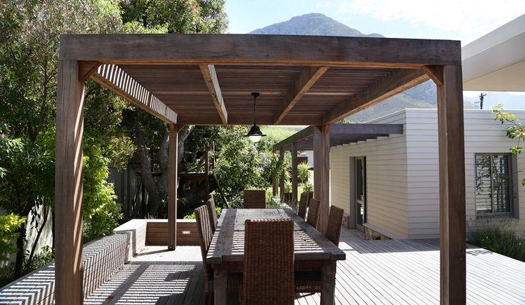 Hermanus Vista: Outside deck and patio. FIREFLYvillas, Hermanus, 7200 @FIREFLYvillas, bookings@fireflyvillas.com, #HermanusVista #FIREFLYvillas, #HermanusAccommodation