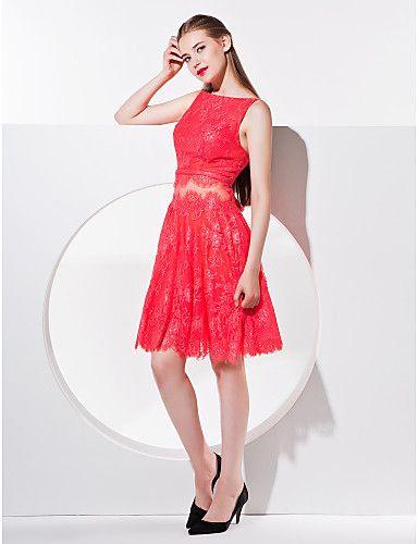 A-line Bateau Knee-length Lace Cocktail Dress