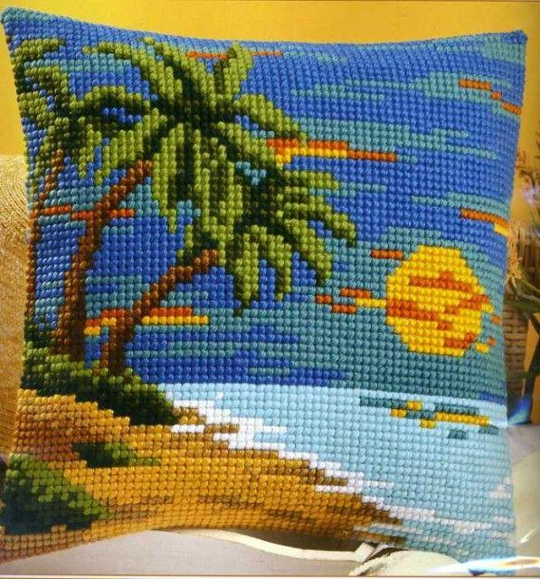 Needlepoint Pillow Decoration Perhaps Crossword : Pin by dana iosub on coussins-point de croix Pinterest