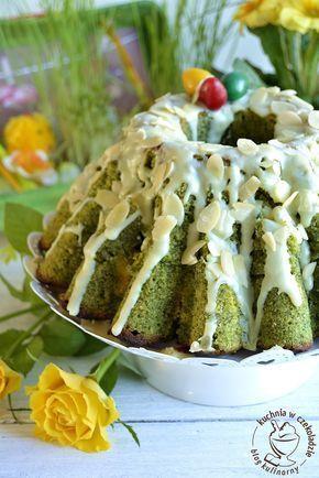 Wielkanocna babka szpinakowa, z polewą z białej czekolady, z migdałami, zielona babka, ciasto wielkanocne, Graciarnia