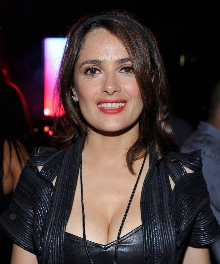 Salma Hayek. La guapa actriz mexicana a sus 48 años de edad luce espectacular. ¡Qué envidia! 2014