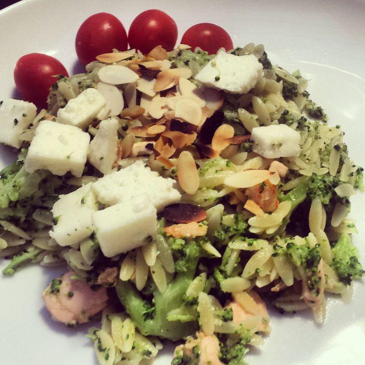Snel gemaakt: pasta met zalm, brocolli en fetakaas - Annelyse