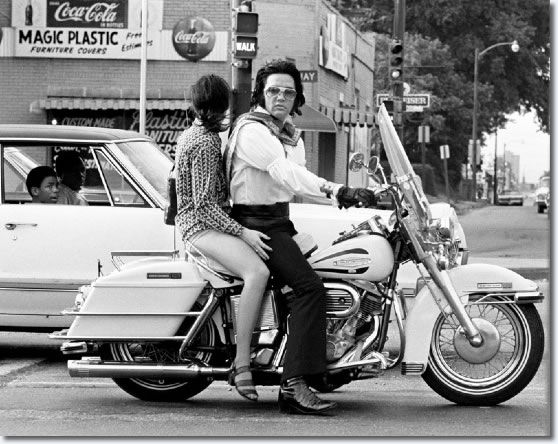 1972_june_30_ Elvis Presley and Mary Kathleen Selph at the corner of South Parkway and Elvis Presley Blvd