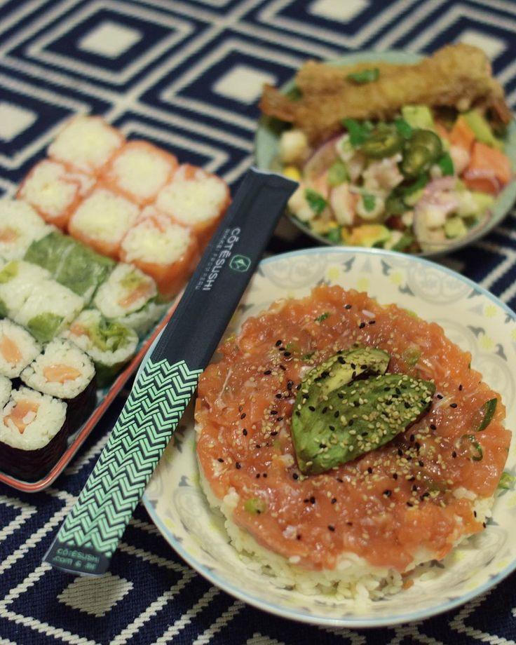Soirée cocooning à la maison avec @cotesushi_france  . . -10% avec le code promo : PINTADE10 .  offre valable partout en France  . .  Restaurant  Spécialités japonaises ET péruviennes  .  Article sur le blog  _____________________ #cotesushi #sushi #japanfood #peruvianfood #blogfood #foodblog #pintademontpellier #montpellier #instafood #foodlover #soup #miso #ceviche #maki #california #nikkei #nikkeifromperu #salmon #cotesushimontpellier #nikkeifood #codepromo #nikkeiisthenewfood