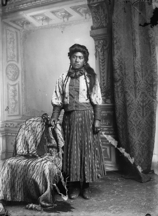 Maori woman from Hawkes Bay district, 1890s - Samuel Carnell of Napier.