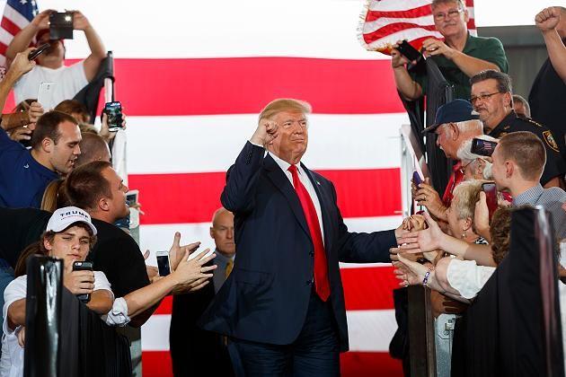 Donald Trump hat die geplante Neuauszählung von Wählerstimmen in mehreren US-Bundesstaaten als lächerlich bezeichnet