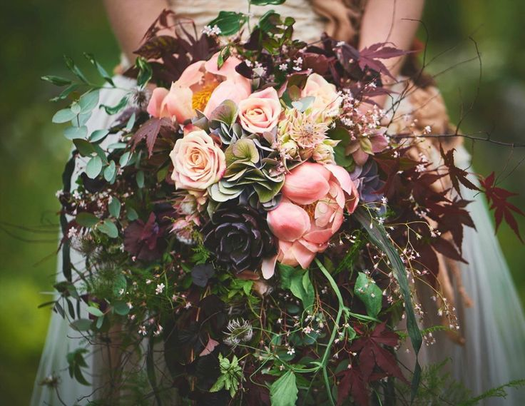 """80 likerklikk, 7 kommentarer – Botanica Blomster (@botanicablomster) på Instagram: """"Brudebukett i jordfarger. #jordfarger#brudebukett #brud #bride #peoner #peon #peonies #stinaknut…"""""""
