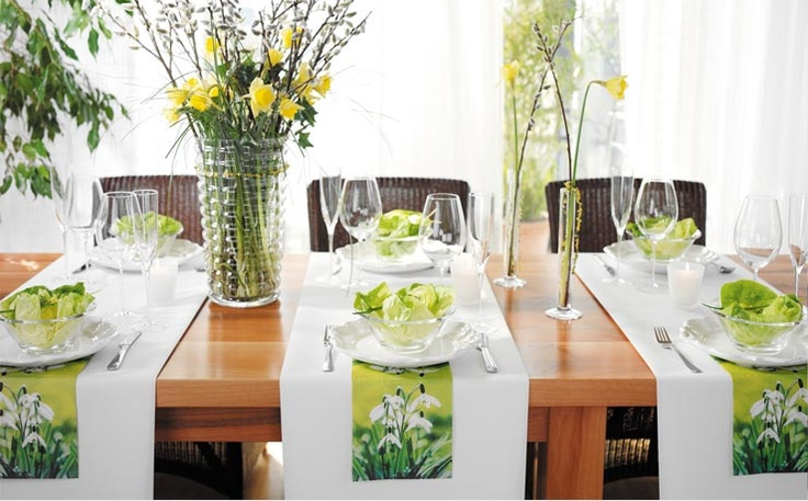 Tête-à-Tête table setting. Shorter runners are placed across the table in lieu of placemats. This is one of my favorite ways to set the table.