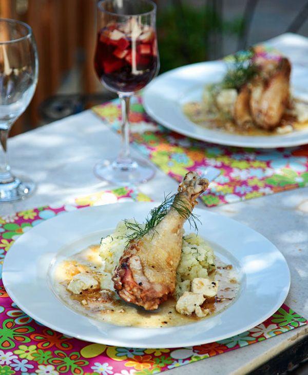Ελαφρύ πιάτο με πεντανόστιμο λεμονάτο κοτόπουλο με φέτα και σπιτικό πουρέ πατάτας, ιδανικό για τα το καθημερινό ή και το κυριακάτικο τραπέζι. #κοτόπουλο #φέτα