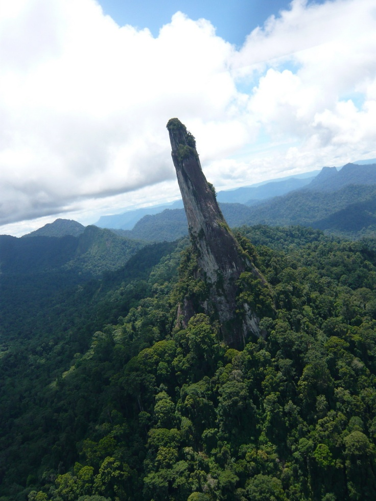What is the proper name for this funny looking mountain in Central Borneo?   Central Borneo - Indonesia    By: HeliAgus