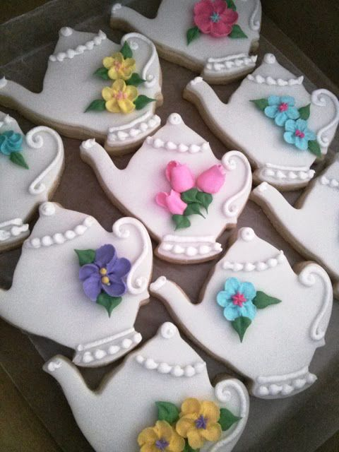 Simply Sweet: Tea Party Pink Ruffle Cake and Teapot Cookies