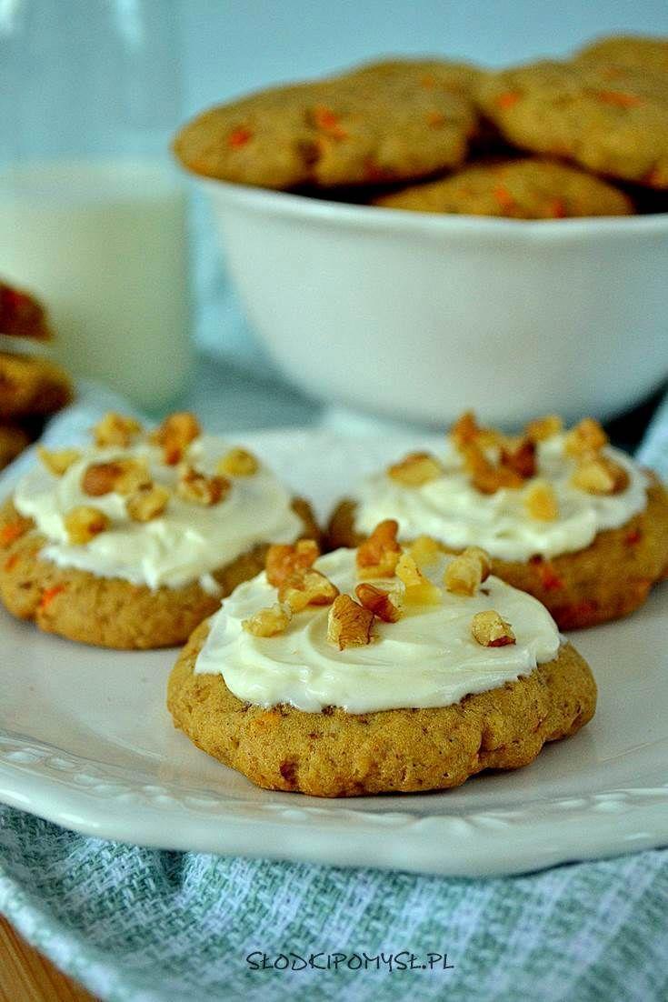 Miękkie ciasteczka z marchewką to idealna propozycja dla najmłodszych :). Jeśli szukasz ciastek, które bez obaw możesz podać małemu dziecku, to ten przepis jest dla Ciebie