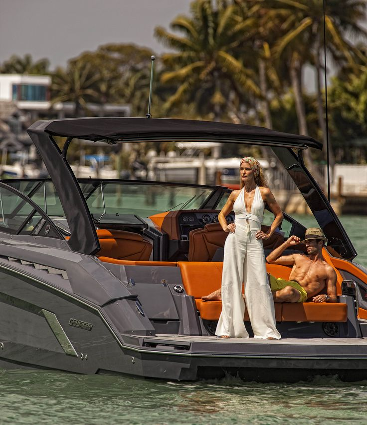 Cruisers 328 Bowrider South Beach Edition In South Beach Miami Miami Southbeach Our