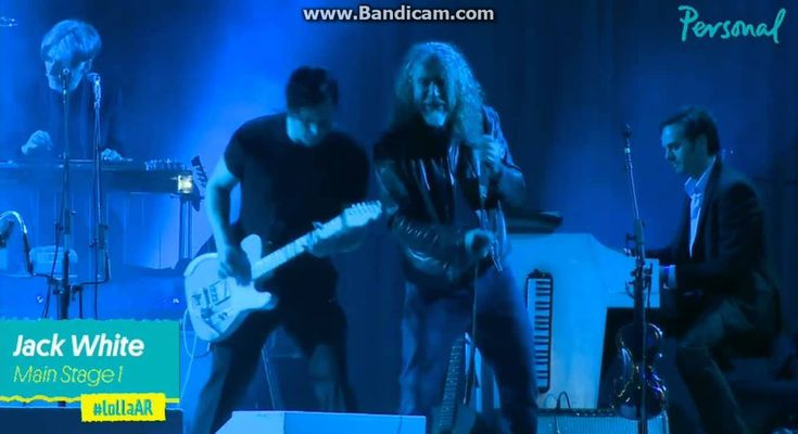 Jack White And Robert Plant 2015 performing Zeppelin's The Lemon Song!! Oh My God - The ultimate.